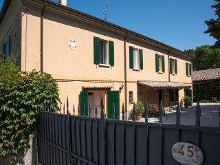 Country house del '600 nel verde vicina al ma