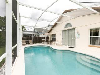 4 Bedroomed Luxury Villa 4 miles from Disney