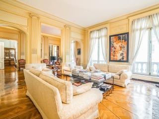 ArcTriomphe Ch. Elisées, Garden, 300 sqm of Luxury, París
