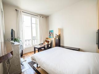 Cozy studio Champs Elysees-Arc de Triomphe