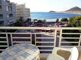 Medano, 1 bedroom, sea views, terrace, beach!, El Medano