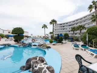 one bed apartment 5 mins walk to beach 4 star comp, Playa de las Americas