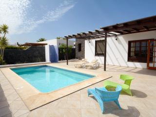 Hermosa villa en Los Colorados, Playa Blanca