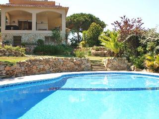 CM319 - Private pool and views to the Med sea!
