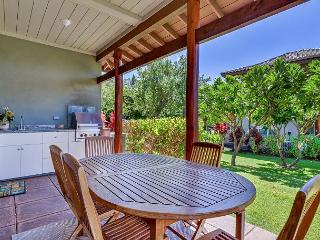 Luxurious Golf View Corner Townhome, VIP Beach Pass, Great Views, Privacy!, Waikoloa