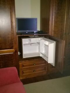 mini-bar ant Tv