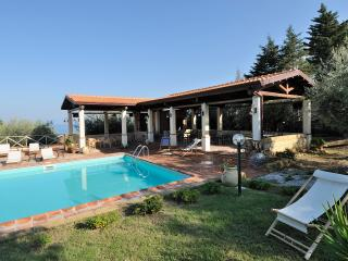 Pool, beach and relax! 6 people - Apartment Pini