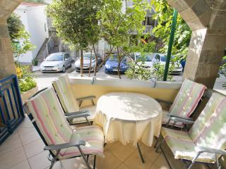 Two bedroom apartment with a cozy terrace, Rafailovici