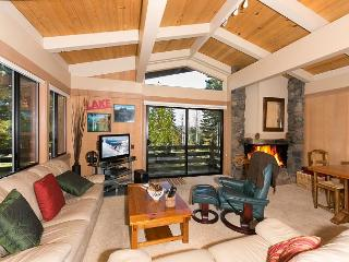 4 BR Rocky Ridge Condo in Tahoe City w/ HOA - Pool, Tennis, & Private Beach!