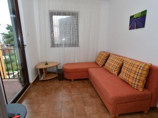 Apartment 1275