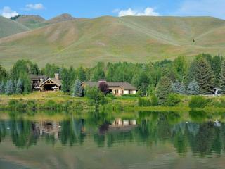 Wifi | Two Car Garage | Sleeps 10 | Stunning Views, Sun Valley