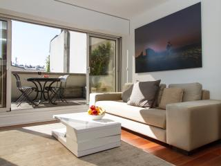 70. 3BR Marais - Spacious and Modern - Terrace, Paris