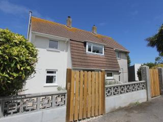 Little Grenville - Perfect for Couples short stroll to Padstow Harbour