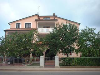 Apartment 371, Umag