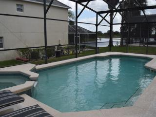 Oak Island Cove Just 2 miles from Disney World, Kissimmee