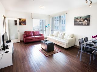 Heaven on Hollywood Apts-1 BR.