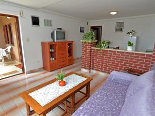 Apartment 1451, Pula