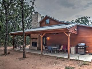 Trinity Trails: Cedar Springs Cabin on 6 Acres