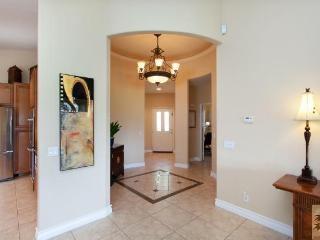 Renovated Golf Course Home!, Indio
