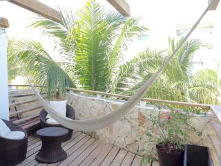 Beautiful Condo in Nice Neighborhood, Playa Maroma