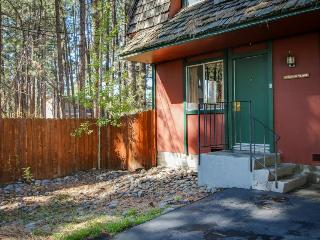 Cozy dog-friendly ground-floor rental w/shared hot tub, fenced grounds