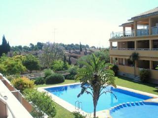 Apt. with garden,pool Godella