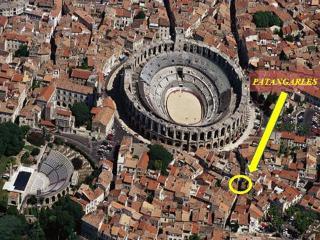 Patangarles entre arènes et théâtre antique, Arles
