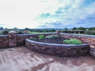 THE BARN, single-storey, woodburner, gravelled garden, off road parking
