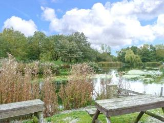 CHARLOTTE, ground floor, lawned garden, off road parking, Haworth Ref 929401