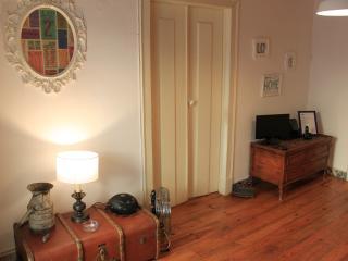 Lively Bairro Alto Apartment