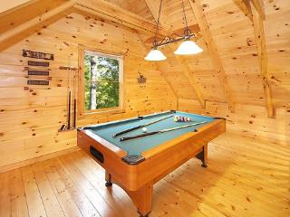 Loft with Pool Table at Smoky Bears Creek
