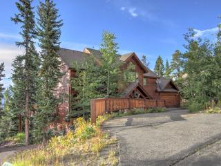 ENDLESS PEAKS -- Luxury, Views & Mountain Charm!, Breckenridge