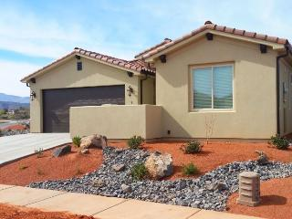 Canyonlands Home at Paradise Village, 3 Bedroom St. George Vacation Home, Saint George