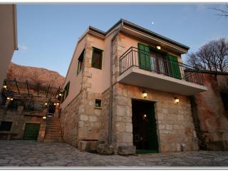 Old House Ma-Lu