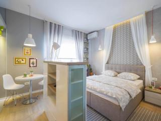 ★ Private 5 Star Boutique Studio on Knez Mihailova street ★