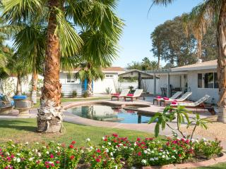 Casa Via - Fun In The Sun - 4BD/3BA, Palm Springs