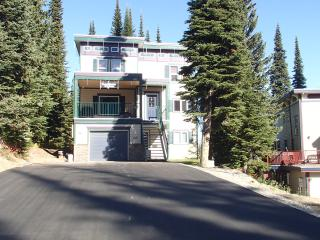 Hobo's Hideaway - 2 bed/2 bath ground floor condo, Vernon
