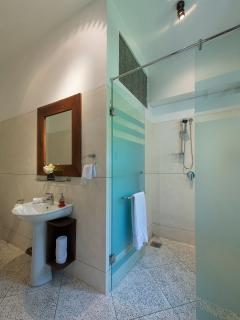 No. 39 Galle Fort - Second bathroom ensuite