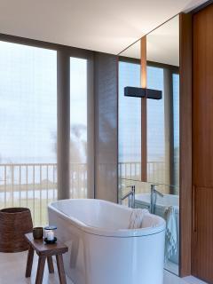 Arnalaya Beach House - Ensuite bathroom (4)
