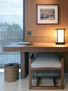 Arnalaya Beach House - Bedroom writing desk