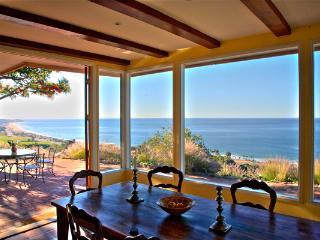 Celebrity house 3BR 2 bath 8 acres top oceanview, Malibu