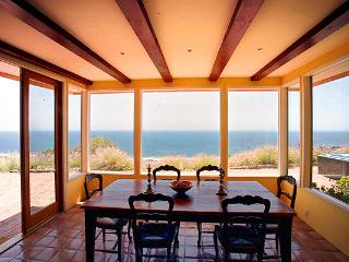 Celebrity house 3BR 2 bath 8 acres top oceanview, Malibú