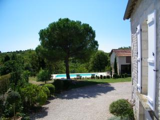 2 houses together for 12 pers with swimmingpool, La Dornac