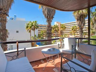 Nice apartment beach next to lively tourist area, Port d'Alcudia