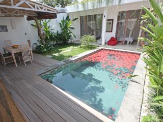 Bali Seminyak 800 m from the beach, new villa, very quite