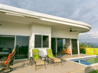 Modern Luxury Villa with 360 Panoramic Views, Parque Nacional Manuel Antonio
