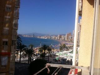 Benidorm Beach Apartment Sea & Beach Views & UK TV