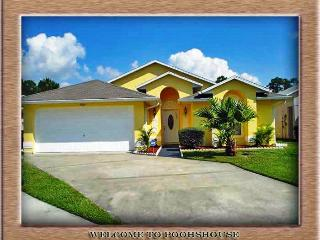 Poohs House Kissimmee Villa with a Pool, WiFi, and