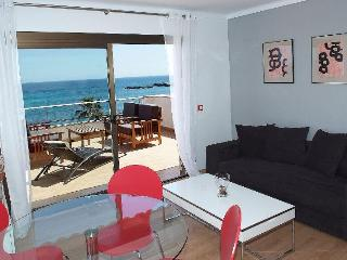 2 rooms with spectacular sea view, 302