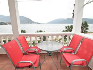 Two bedroom apartment in Savina near the beach